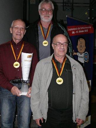 """Luftpistolen-Auflage-Mannschaft Senioren B ist """"Deutscher Meister 2012""""."""