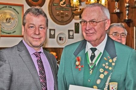 Verabschiedung von Hanspeter Grahlmann - Bezirksbürgermeister Frank Balzer